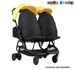 Mountian Buggy Nano Duo, un cochecito doble ligero y duradero de solo 9 kg de peso y fácil plegado. Double Strollers, Baby Strollers, Mountain Buggy, Blue Mountain, Infancy, Adjustable Legs, Back Seat, Second Child, Twins