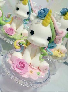 61 New Ideas Cupcakes Decoration Ideas Diy Fondant First Birthday Cakes, Unicorn Birthday Parties, Unicorn Party, Cute Polymer Clay, Polymer Clay Dolls, Fun Cupcakes, Cupcake Cakes, Cakepops, Unicorn Cake Topper