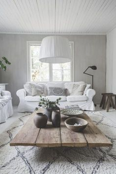 I love the couch! Living Room White, Living Room Colors, Home Living Room, Interior Design Living Room, Living Room Designs, Living Room Decor, Living Room Inspiration, Home Decor Inspiration, Deco Boheme Chic