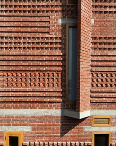 An experimental home near New Delhi offers a new template for Indian housing Brick Architecture, Residential Architecture, Architecture Details, Indian Architecture, Brick Masonry, Brick Facade, Brick Design, Facade Design, Brick Projects