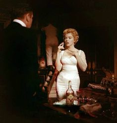"""Laurence Olivier & Marilyn Monroe on the set of """"The Prince & The Showgirl"""" 1957"""