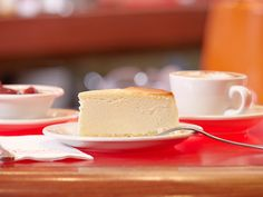 How to bake Junior's famous cheesecake from scratch at home - When anyone asks about the Big Apple's most notable dessert, there's no doubt one answer comes - No Bake Desserts, Just Desserts, Dessert Recipes, Juniors Cheesecake, Recipe Icon, New York Style Cheesecake, Cold Cake, Cream Cheese Filling, Cake Flour