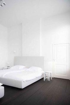9 Delicious ideas: Minimalist Bedroom Decor Grey minimalist home style minimalism.Minimalist Living Room With Kids Lamps minimalist bedroom decor grey.Minimalist Bedroom Tips Cleanses. Interior Design Examples, Interior Desing, Interior Design Inspiration, Design Ideas, White Rooms, White Bedroom, White Walls, Bedroom Brown, Minimal Bedroom