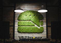 Logotyp firmy z mchu naturalnego MOSS TREND.  Ekologiczna identyfikacja graficzna. Zapraszamy do BandIt Design: www.banditdesign.pl  #logo #eco #design