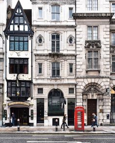 Fleet Street in the City of London. The tiny house is actually a pub ; City Of London, Streets Of London, City Streets, Magic Places, Fleet Street, Travel Aesthetic, London Travel, London England Travel, Oh The Places You'll Go