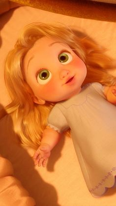 Rapunzel is the cutest Disney baby! Disney Pixar, Baby Disney Characters, Disney Icons, Disney Rapunzel, Tangled Rapunzel, Disney And Dreamworks, Disney Girls, Disney Cartoons, Disney Movies
