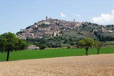 #Trevi #Umbria #Tuscany #Italy