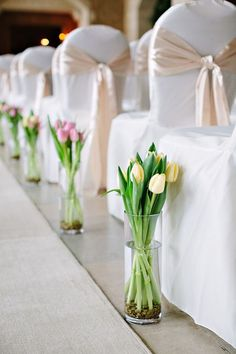 How To Use Tulips As Wedding Decor Ideas