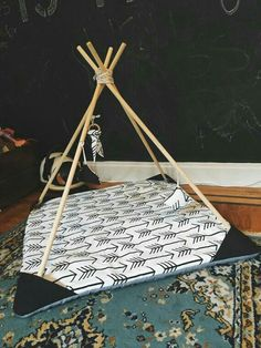 Teepee Baby Play Mat by StorylineThreads on Etsy - Neues Spielzeug Diy Tipi, Diy Kids Teepee, Kids Tents, Sewing For Kids, Baby Sewing, Diy For Kids, Baby Play, Baby Toys, Diy Baby Gym