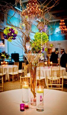 Table Décor Idea For Spring Wedding