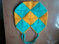 Crochet Tasche https://www.facebook.com/photo.php?fbid=405009789607901&set=a.405009609607919.1073741831.405004926275054&type=3&theater