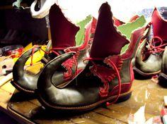 BOTTIER , CUIR - Chaussures bottes médiévales