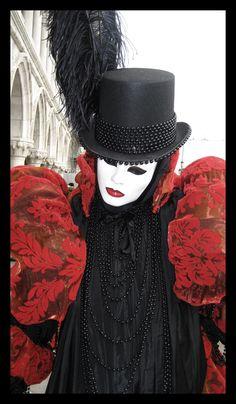 Carnevale di Venezia by xDestitutex on DeviantArt Venice Carnival Costumes, Mardi Gras Carnival, Venetian Carnival Masks, Carnival Outfits, Carnival Of Venice, Venice Carnivale, Venice Mask, Masquerade Party, Masquerade Masks