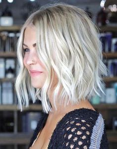 78 New Best Short Haircuts 2019 - Love this Hair hair frisuren, 78 New Best Short Haircuts 2019 Wavy Bob Hairstyles, Cute Hairstyles For Short Hair, Curly Hair Styles, Pixie Haircuts, Trendy Hair, Stylish Hairstyles, Hairstyles Pictures, Beautiful Hairstyles, Hairstyles For Over 40
