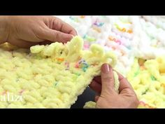 Alize Puffy Color ile Puset Battaniyesi Yapımı - Making Stroller Blanket with Alize Puffy Color - Lina Finger Crochet, Knit Or Crochet, Baby Blanket Crochet, Crochet Baby, Finger Knitting Projects, Yarn Projects, Cable Knitting Patterns, Arm Knitting, No Sew Blankets
