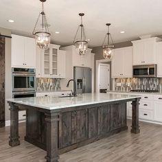Home Decor Kitchen, Kitchen And Bath, Kitchen Interior, New Kitchen, Kitchen Ideas, Kitchen Designs, Farmhouse Interior, Awesome Kitchen, Coastal Interior