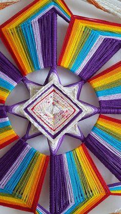 Wooden Crafts, Diy And Crafts, Diy Dream Catcher Tutorial, Dollar Tree Wedding, Blue Wedding Centerpieces, Gods Eye, Thread Art, Mandala Art, String Art