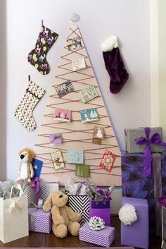 A collection of over 40 Unique Christmas Trees & Christmas Tree Alternatives to help you create your own unique take on the traditional Christmas Tree. Christmas Card Display, Wall Christmas Tree, Christmas Tree Pictures, Unique Christmas Trees, Alternative Christmas Tree, Handmade Christmas Decorations, Modern Christmas, Christmas Home, Christmas Crafts