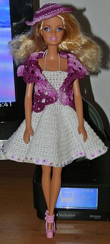 Dress http://www.ravelry.com/patterns/library/completino-in-cotone-per-barbie