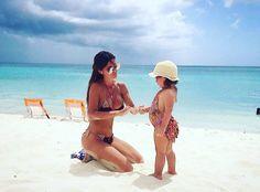 """🌸Arena Cristal_España🌸 on Instagram: """"#Picoftheday 💖💖💖Pure Love 💖💖💖 Mummy&Daughter Arena Cristal 👑 Nuestra marca además de buscar ofrecer diseños exclusivos, busca acompañaros en esos momentos inolvidables que se viven en lugares paradisíacos, junto a personas que dejan huella... Gracias por dejarnos ser parte de Preciosos Momentos como este 😍😍😍 #SirenaArenaCristal 👑 #moda #bikinis #trajesdebaño 🔜 Pronto nueva colección 🔝 #fashion #outfit #mujer #summerfashion #swimwear…"""