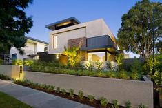 Compact Modern Mansion on Higham Road in Melbourne, Australia by Steve Domoney Modern Architecture Design, Industrial Architecture, Residential Architecture, Modern Design, Arch House, House 2, Architects Melbourne, Modern Mansion, Modern Houses