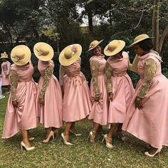 For bridesmaids vintage look!pic via African Bridesmaid Dresses, African Wedding Attire, Bridesmade Dresses, Mermaid Bridesmaid Dresses, Bridesmaid Outfit, African Attire, African Fashion Dresses, African Dress, Bridesmaids