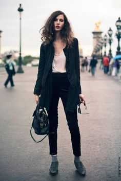 Ruby Aldridge has amazing style. It's the perfect blend of casual and chic, masculine and feminine, rock n roll and country.