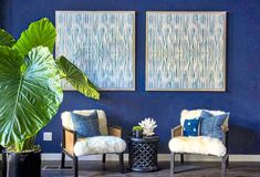 12 Inspiring Ways To Creatively Display Your Textile Collection – Lamour Artisans African Living Rooms, Sunflower Kitchen Decor, Southern Living Homes, Ikea Curtains, Ikea Frames, Spanish Style Homes, Wooden Ladder, Display Homes, Color Studies