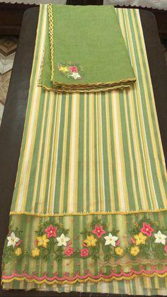 Punjabi Suits Party Wear, Party Wear Indian Dresses, Punjabi Salwar Suits, Dress Indian Style, Indian Outfits, Embroidery Suits Punjabi, Embroidery Suits Design, Embroidery Fashion, Hand Embroidery Designs