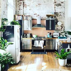 #Designinspo of the day.  If our kitchen looked like this, we'd make you breakfast in bed every morning #goodmorning #;)