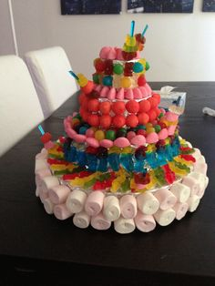 gâteau de bonbons on Pinterest  Bonbon, Candy Cakes and Marshmallow ...