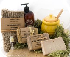 Oatmeal Milk and Honey Soaps and Lotion Gift Set forWoman, Natural Skincare Care Package, Mother's Day Present for Mom Wife or Friend