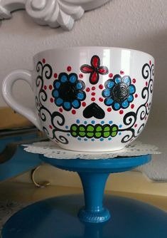 Hand painted sugar skull mugs. The mugs are made to order and take approximately days to complete. Sugar Skull is painted on one side only. Sharpie Projects, Sharpie Crafts, Sharpie Art, Sharpies, Pottery Designs, Mug Designs, Pottery Ideas, Pottery Painting Ideas Easy, Painted Mugs