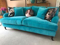 With its beautiful velvet and soft cushions oozing with comfort, we absolutely love the way our customer Kim has styled her #British #handmade Alwinton #sofa. How would you style yours? Order your free fabric samples today #sofasandstuff #interior #interiors #interiordesign #interiordesigns #interiordesigner #interiordesigners #sofa #sofas #britishmade #britishsofa #handmadesofa #bespokesofa #bluesofa #bluesofas #bluevelvetsofa #blueinterior #blueinteriors #velvetsofa #velvetsofas Bespoke Sofas, Blue Velvet Sofa, Free Fabric Samples, Traditional Sofa, Chair Bed, Bed Mattress, Cushions, Easter, Couch