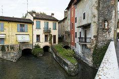 Valeggio sul Mincio, Italy (by Muratodentro)