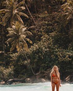 tumblr girl beachy day aesthetic