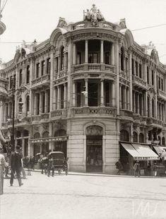 Casa Lebre, c. 1912. Esquina da rua Direita com 15 de Novembro, São Paulo / Acervo IMS. Vincenzo Pastore.