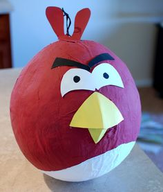 The Copycat Crafter: Take a Crack at It--DIY angry birds Pinata Bird Birthday Parties, Birthday Party Games, Diy Birthday, 10th Birthday, Birthday Pinata, Balloon Pinata, Balloons, Art For Kids, Crafts For Kids