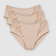 Pack of 3 pairs of full briefs. Lined at the front. Lace detail on the sides. 82% cotton, 12% polyamide, 6% elastane. Cotton-lined gusset.