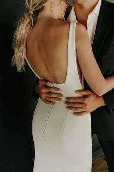 Country Wedding Dresses, Wedding Dresses Plus Size, Best Wedding Dresses, Boho Wedding Dress, Wedding Hair, Minimal Wedding Dress, Crepe Wedding Dress, Classic Wedding Dress, Modest Wedding