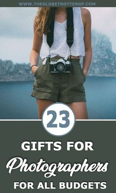 Gifts for photographers and gifts for travel photographers from low budget affordable gifts to luxury gifts. From cameras to editing software to travel photography books and much much more! Your photography gift dilemmas sorted Photography Gifts, Dslr Photography, World Photography, Outdoor Photography, Vintage Photography, Photography Equipment, Product Photography, Children Photography, Best Travel Gifts