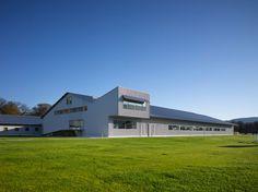 Centro Ecuestre Robledales de Ultzama, Zenotz, Utzalmaldea (Navarra) | Francisco Mangado + http://divisare.com/projects/121595-mangado-architects-pedro-pegenaute-centro-hipico-en-la-ultzama http://www.ondiseno.com/proyecto.php?id=1606