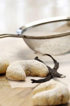 Crescent Rolls, Garlic Press, Food, Croissants, Essen, Meals, Horn, Yemek, Eten