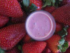 Raw Vegan Strawberry and Cream Smoothie