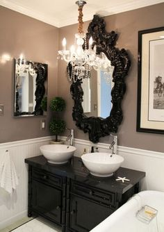 small bathroom glamour... Want this mirror!!