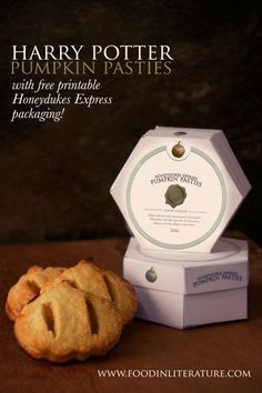 Harry Potter Pumpkin Pasties recipe with free printable Hogwarts Express packaging. Super easy recipe to make, and the packaging turns it into a wonderful DIY party favour!