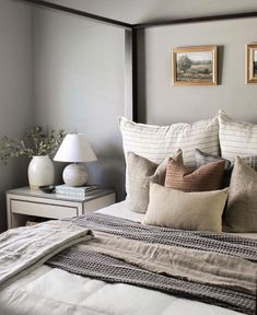 Bedroom Inspo, Home Bedroom, Bedroom Decor, Bedrooms, Green Master Bedroom, Bedroom Ideas, Bedroom Styles, Big Pillows, Elegante Designs