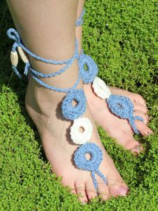 Fauxchét® . . . A New Way to Crochet.. Free pattern! Think of the color options for making these!!