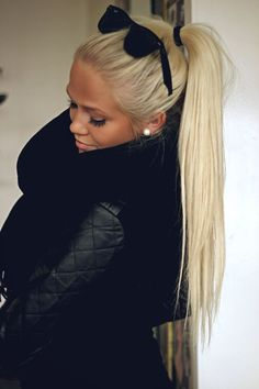 If I were blonde I'd go platinum. So pretty with tan/bronzer. And actually healthy looking!