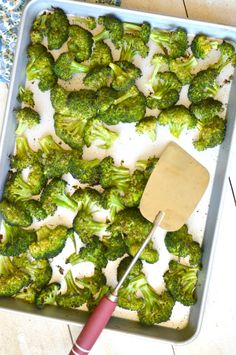 Super Easy and Delicious Roasted Broccoli so good you forget you're eating something healthy! Simple veggies are a must for college cooking Side Dish Recipes, Vegetable Recipes, Vegetarian Recipes, Healthy Recipes, Healthy Cooking, Healthy Snacks, Healthy Eating, Cooking Recipes, Vegetable Side Dishes